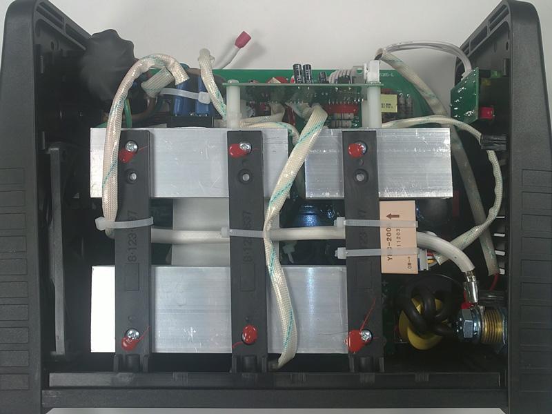 Сварочный инвертор TM-1600 вид слева